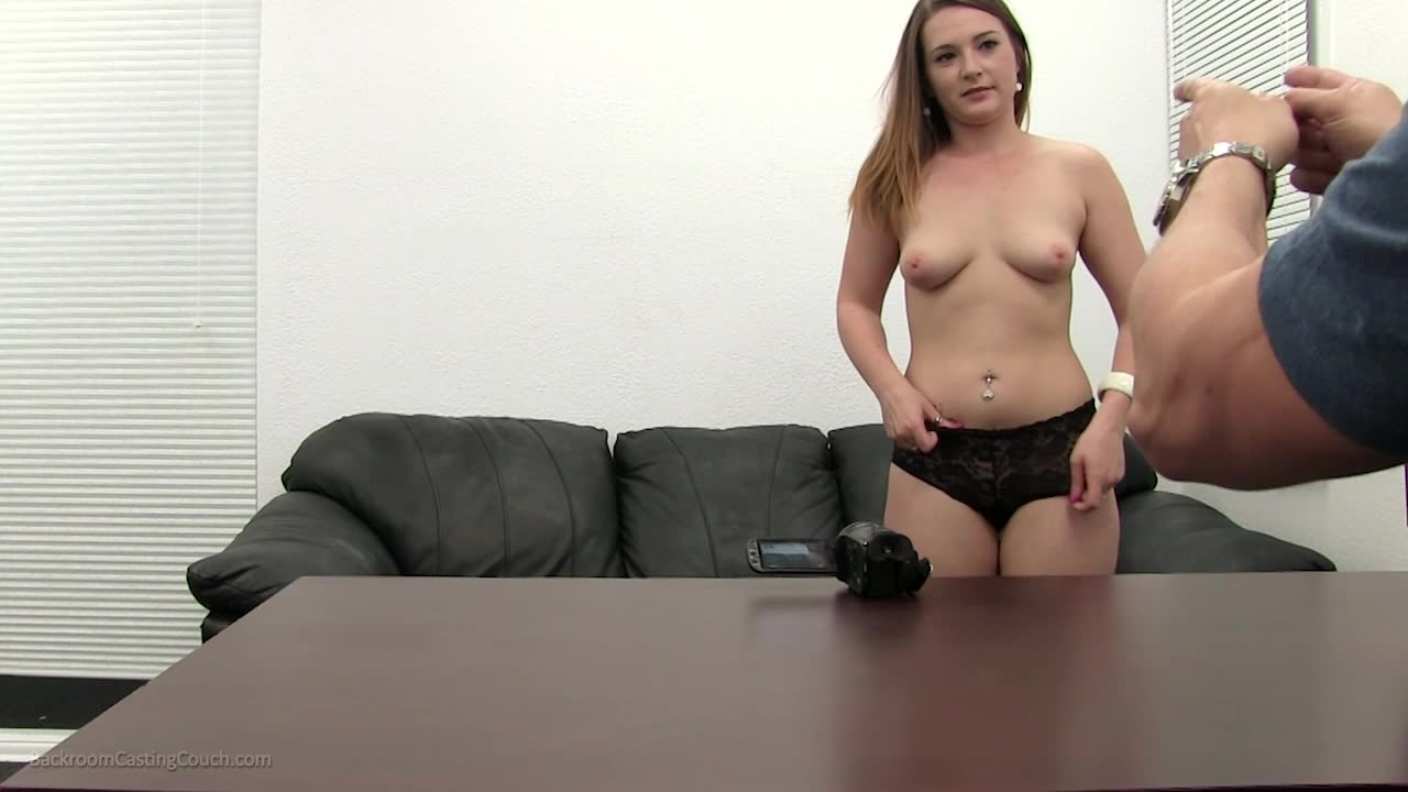 Valerie backroom casting couch foto 2